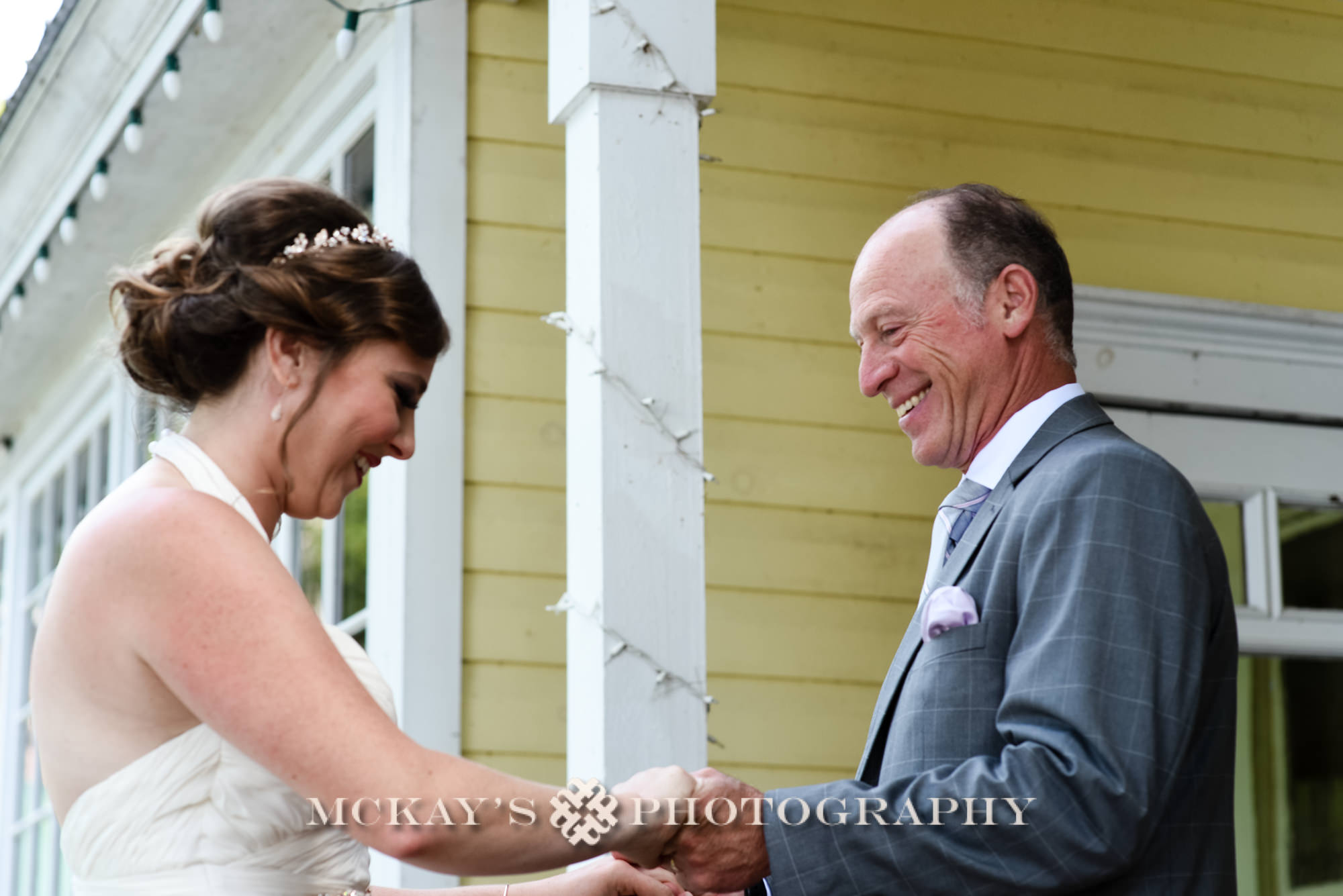 candid wedding photographers in the Adirondacks