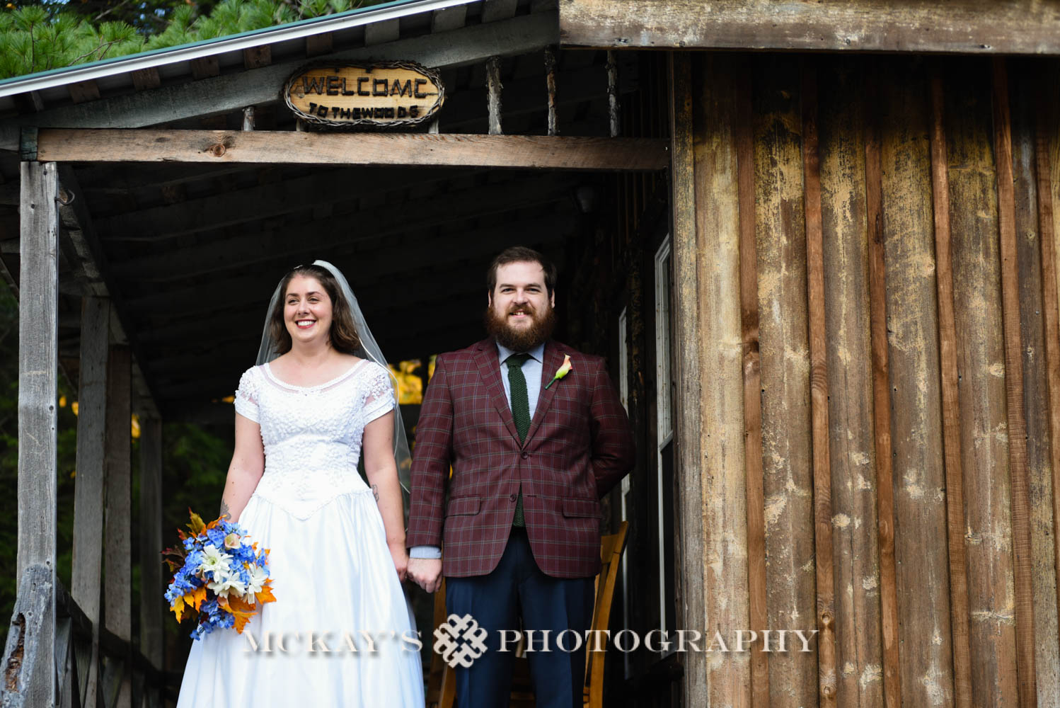 Fall wedding venues in the Adirondacks for small weddings